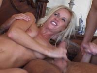 Sandra : Today she gets a nice portion of sperm for supper : sex scene #1