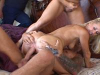 Sandra : Today she gets a nice portion of sperm for supper : sex scene #3